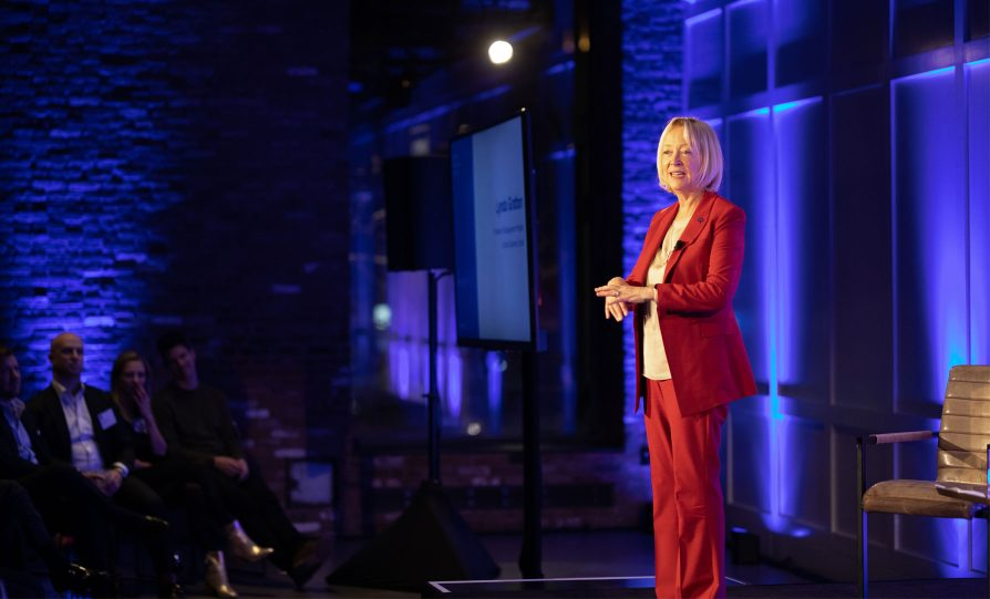 Image of Lynda Gratton speaking on stage